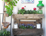 Những cách đơn giản để tạo nên khu vườn cổ kính từ gỗ pallet