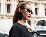 Nghi vấn Maya khoe ảnh dự show Balmain tại Paris Fashion Week, nhưng chỉ là đến chụp ảnh rồi đi về