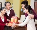 Tết đầu tiên ở nhà chồng (1): Một lần biếu mẹ chồng tiền tiêu Tết... không thành