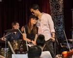 Mỹ Tâm chính thức lên tiếng về bức ảnh ôm hôn Hà Anh Tuấn trong hậu trường