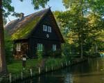 Ngất ngây với những ngôi nhà ven sông xinh xắn, đẹp đến nao lòng