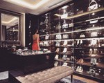 Biệt thự được cho là trị giá 5 triệu USD có phòng thay đồ tựa như một cửa hàng thời trang cao cấp của Huyền Baby