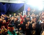 Vỡ òa cảm xúc tại nhà Đức Huy khi tuyển Việt Nam ghi bàn thắng