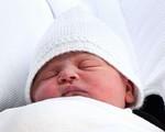 Công nương Kate và mẹ chồng có lựa chọn giống nhau đến khó tin trong buổi ra mắt sau sinh