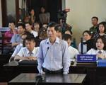 """Chủ tọa nhắc nhở thẩm phán khi hỏi """"xoáy"""" BS Hoàng Công Lương về lời thề Hippocrates"""
