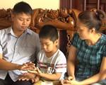 Vụ trao nhầm con ở Ba Vì: Tấm ảnh vô tình trên Facebook tiết lộ mối nghi ngờ cháu trai không 'chính chủ'