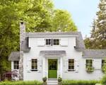 Ngôi nhà đồng quê của cặp vợ chồng trẻ ở nông thôn vừa to vừa đẹp, cây cối tươi tốt bao phủ quanh năm