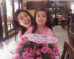 Chiến đấu suốt 5 tháng với ung thư phổi, diễn viên Mai Phương vẫn vui vẻ đón tuổi mới bên ba mẹ và con gái