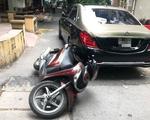 Mâu thuẫn khi tham gia giao thông, tài xế xe Mercedes Maybach đánh người đàn ông đi SH