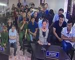 Xử gian lận thi cử ở Hà Giang: Vợ bị cáo 'không thấy ai đến biếu quà cáp gì'