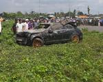 Kinh hoàng phát hiện 3 người nằm chết trong xe Mercedes ở dưới kênh