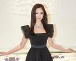 """Song Hye Kyo hóa """"thiên nga đen"""""""