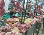 Thịt lợn giá 'trên trời': Dân chỉ dám mua 'nhón tay', tiểu thương điêu đứng khóc không thành lời
