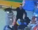 Bố đánh cô giáo khi thấy con bị bạo hành