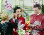 Bố mẹ chồng Tây làm điều tuyệt vời trong lễ rước dâu Á hậu Hoàng Oanh khiến ai cũng ngỡ ngàng