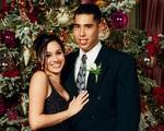 Lộ ảnh Meghan Markle năm 15 tuổi đón Giáng sinh cùng mối tình đầu