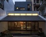 Ngôi nhà 240 m2 cạnh Hồ Tây với mái ngói truyền thống đậm chất dân gian Bắc Bộ