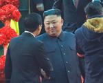 Đoàn xe của Chủ tịch Triều Tiên Kim Jong-un về tới khách sạn tại Hà Nội