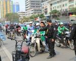 Video: Hàng loạt người tham gia giao thông không đội mũ bảo hiểm