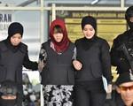 Bố Đoàn Thị Hương đến dự phiên tòa xét xử con gái