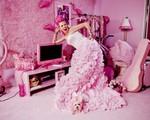 Quý bà 'yêu màu hồng và ghét sự giả dối' thừa nhận chi hơn 35 tỷ chỉ để trang trí ngôi nhà theo nỗi ám ảnh của mình