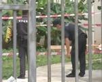 Bi kịch gia đình: Thanh niên 19 tuổi tấn công nữ lao công nhưng vô tình đâm vào người bố, sau đó nhảy lầu tự tử