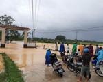Mưa lớn kéo dài, nhiều huyện miền núi Hà Tĩnh bị ngập sâu, chia cắt cục bộ