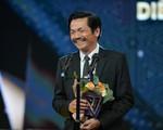 """VTV Awards 2019: Giành giải """"Diễn viên nam ấn tượng"""", NSND Trung Anh cảm thấy tiếc cho Hồng Đăng"""