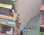Hà Nội: Cháy trường mầm non, nhiều học sinh thoát ra từ mái nhà