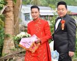 Ca sĩ Quang Lê làm bố chồng ở tuổi 39, đích thân đưa con trai xuống miền Tây rước dâu