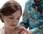 Cô dâu bí mật mang váy cưới đến gặp người bà đã gần đất xa trời, để lại câu chuyện dễ rơi nước mắt còn hơn cả cuộc chia ly của Jack và Rose trong Titanic huyền thoại