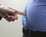 BS nam khoa khuyên: 3 việc quý ông cần làm ngay để tránh 'bụng bia' tấn công sức khỏe