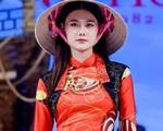 Khán giả Việt bức xúc khi áo dài bị gọi là