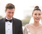 Hoàng Oanh diện váy cúp ngực gợi cảm trong lễ cưới