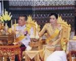 Tiết lộ khoảnh khắc bất thường của Hoàng quý phi Thái Lan trước khi bị phế truất, chứng tỏ việc 'tranh sủng' với Hoàng hậu là có thật