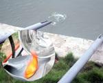 Chung cư ở Hà Nội lắp 'cầu trượt' cho cá chép đỏ tiễn Táo quân về trời