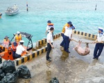 Vượt trùng khơi mang Tết đến với quân dân ở huyện đảo Trường Sa