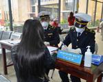 Bắt buộc khai báo y tế với khách từ Hàn Quốc nhập cảnh vào Việt Nam