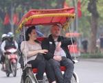 Khách 'Tây' chủ quan giữa mùa dịch khi đến du lịch Việt Nam