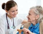 Tăng cường phòng COVID-19 cho người cao tuổi, người có bệnh lý nền
