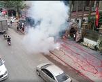 Bắt một đối tượng vụ đốt bánh pháo dài 50m trong đám cưới ở Hà Nội