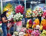 Hoa rớt giá thê thảm cận ngày 8/3 vẫn không ai mua