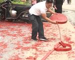 Thêm một đối tượng đầu thú vụ đốt pháo đỏ đường trong đám cưới ở Hà Nội