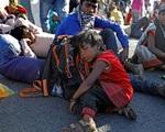 Đằng sau những hình ảnh đi bộ trốn dịch ở Ấn Độ là câu chuyện đau lòng về bé gái 12 tuổi chết thảm khi cách nhà đúng 1 cây số