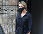 Ivanka Trump đeo khẩu trang sau khi trợ lý nhiễm nCoV