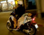 Từ những cái chết của trẻ khi đưa đón bằng xe máy, cảnh báo điều cha mẹ nhất định cần nằm lòng