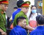 """Cựu sếp phó Sở GD&ĐT tỉnh Sơn La và cấp dưới """"bật"""" nhau tại toà xử vụ gian lận điểm thi"""