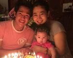 Bố con gái Mai Phương xin lỗi 2 bảo mẫu và nói lý do chậm trễ trở về Việt Nam