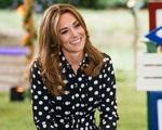 Nụ cười của Công nương Kate ngầm chế giễu phát ngôn 'quá nổi tiếng để gia nhập hội bỉm sữa' của Meghan Markle