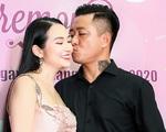 Tuấn Hưng nồng nàn bên vợ doanh nhân Hương Baby ở Sài Gòn